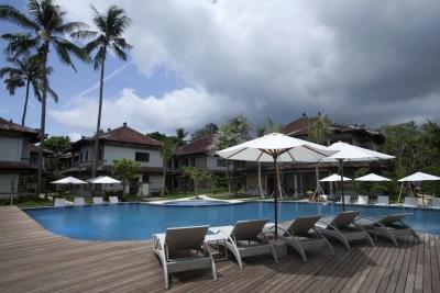 Grand Whiz Nusa Dua Hotel 4